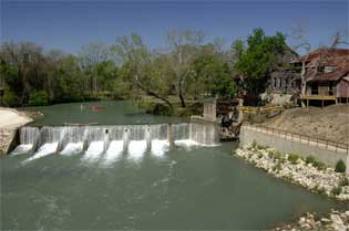 Tpwd luling zedler mill texas paddling trails for Lake san marcos fishing