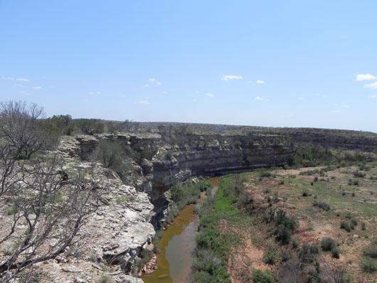 central texas-barren or grassy cliff-bluff-752.jpg