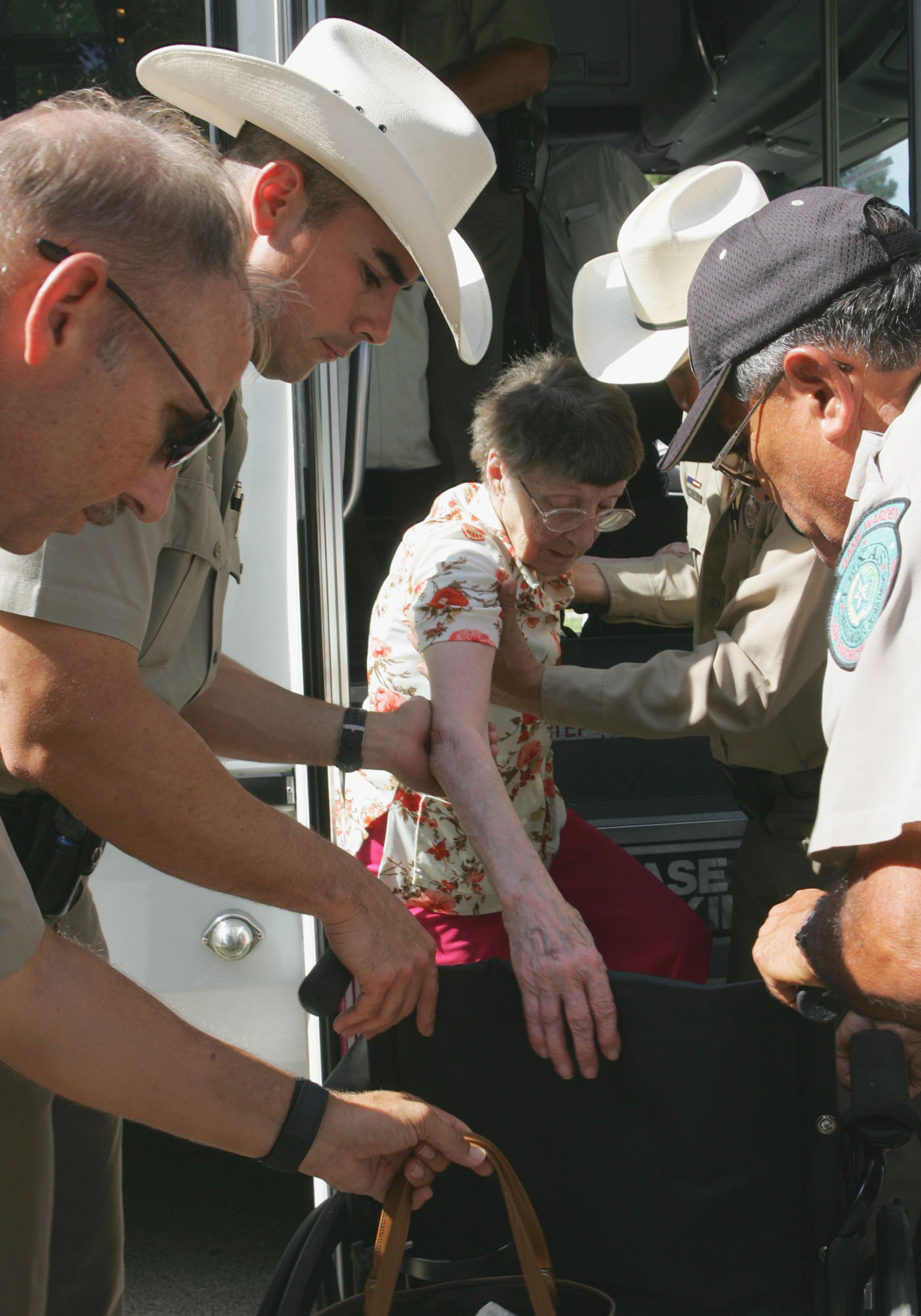 Please wait while image loads, then follow the instructions to download the image.