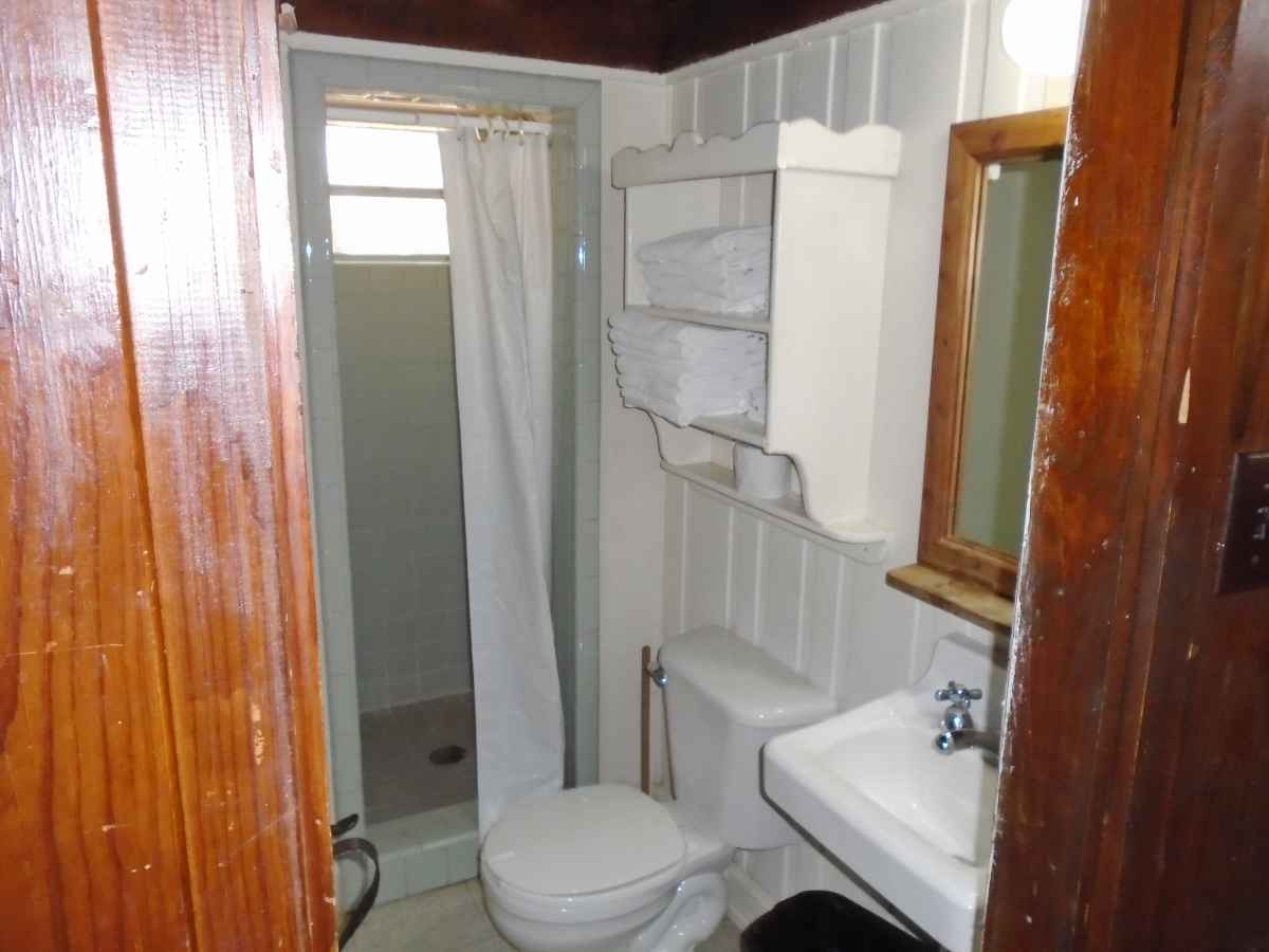 The bathroom with shower in Cabin 7.