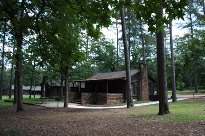Superbe 09 Caddo Lake Cabin Outside (7)