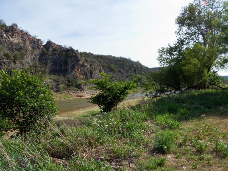 Looking at the river (May 2014).