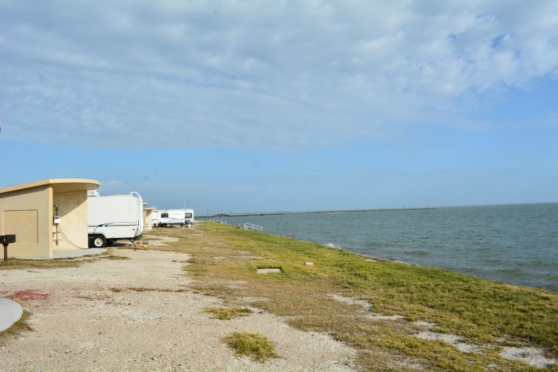 Standard (Premium Bayfront) Campsites with RVs.