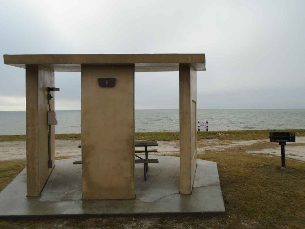 Standard Premium Bayfront Campsite 1.