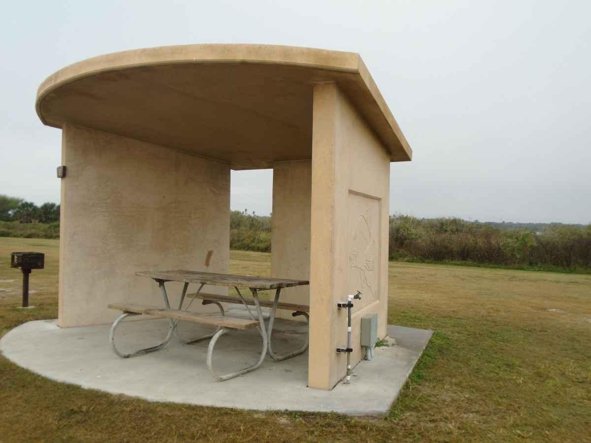 Standard Premium Bayfront Campsite 19.