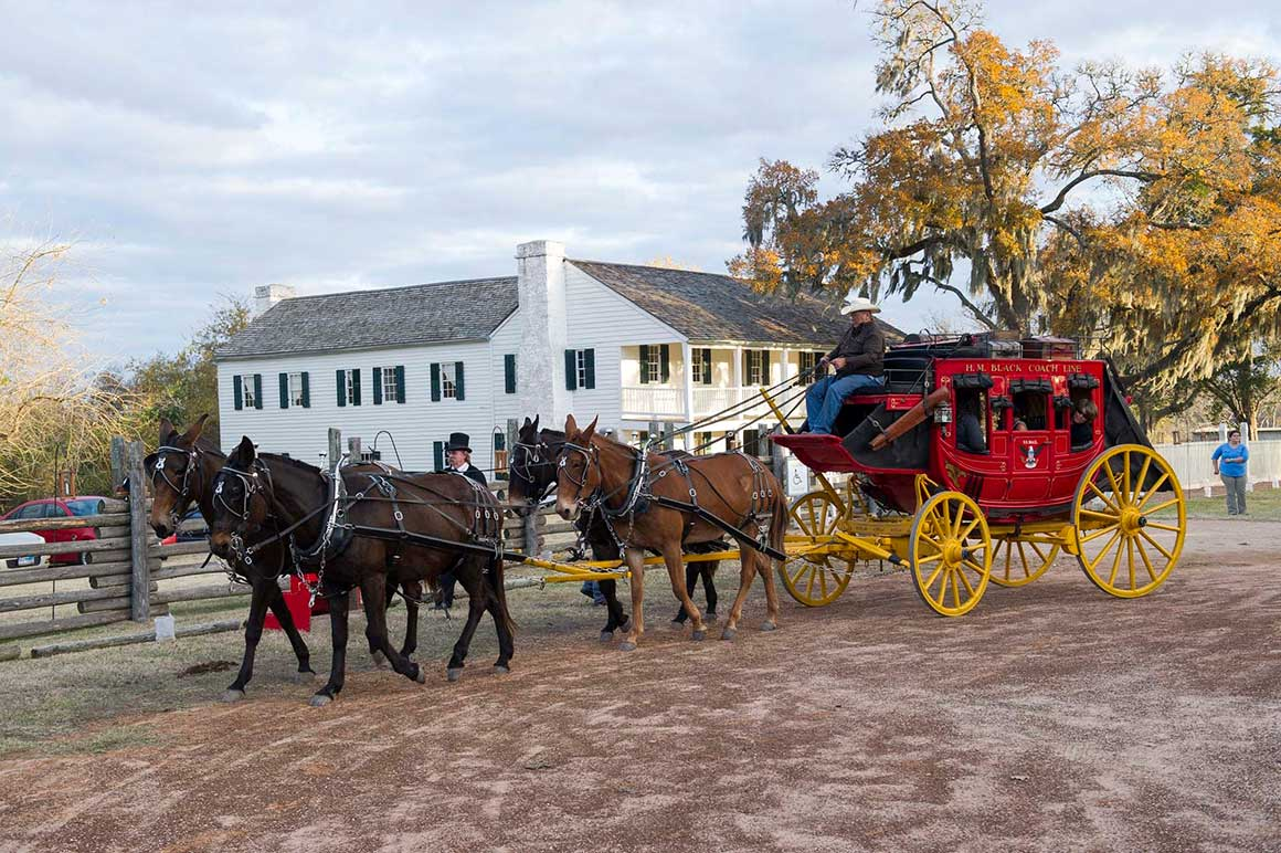 Fanthorp Inn State Historic Site - Concord stagecoach