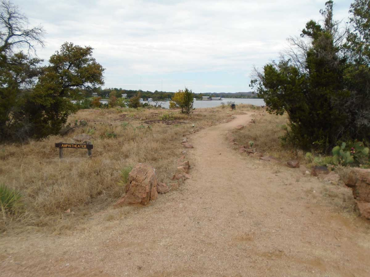 The trail to the Amphitheater.