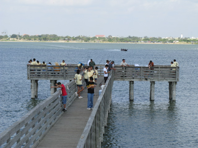 Lake casa blanca international state park nature texas for What age do you need a fishing license in texas