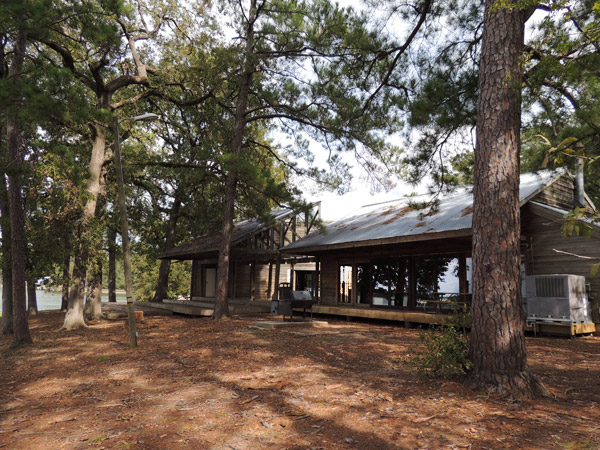 Back Support For Chairs Lake Livingston State Park Group Picnic Pavilion ...