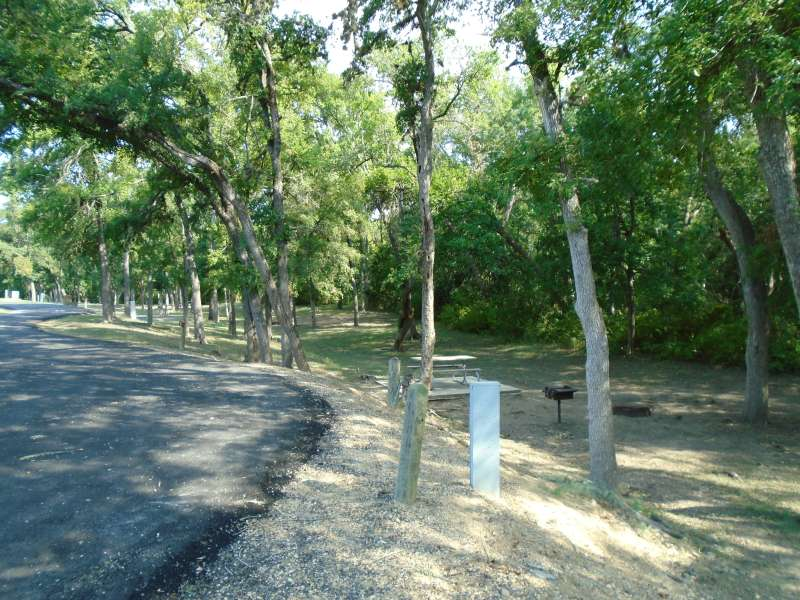 Lockhart State Park Campsites With Electricity Texas Parks Amp Wildlife Department