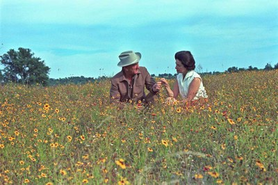 Lyndon and Lady Bird in the wildflowers.