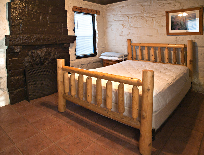 There is 1 queen size bed and 2 twin beds. Photo by John Chandler.