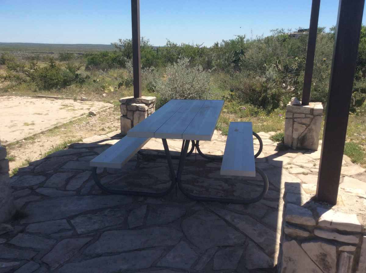 The picnic table at Campsite 9..